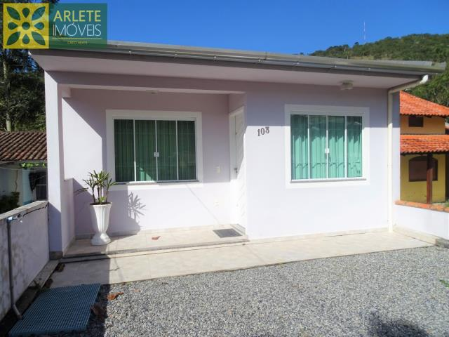 Casa Codigo 161 para Temporada no bairro Centro na cidade de Porto Belo