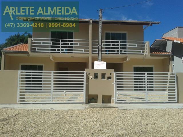 Casa Codigo 865 para Temporada no bairro Bombas na cidade de Bombinhas