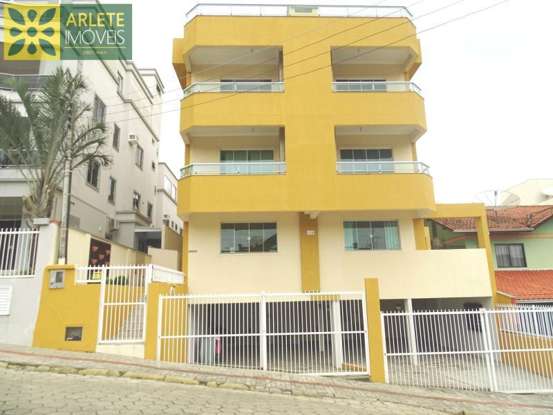 Apartamento Codigo 456 para Temporada no bairro Bombas na cidade de Bombinhas