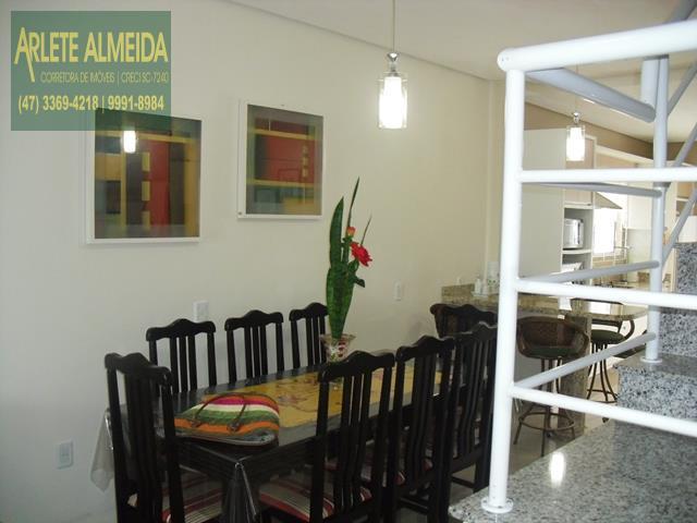 16 - mesa para refeições casa beira mar perequê porto belo locação