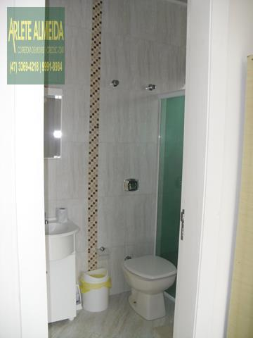 21 - banheiro casa beira mar perequê porto belo locação