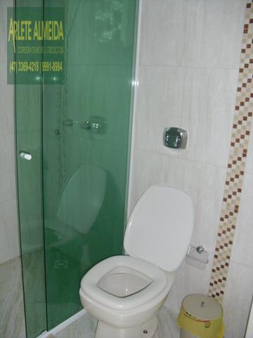 36 - banheiro casa beira mar perequê porto belo locação