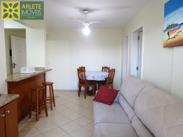 6 - sala de estar aluguel bombinhas