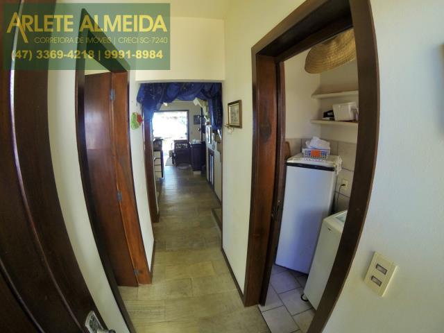 8 - acesso cômodos casa locação perequê