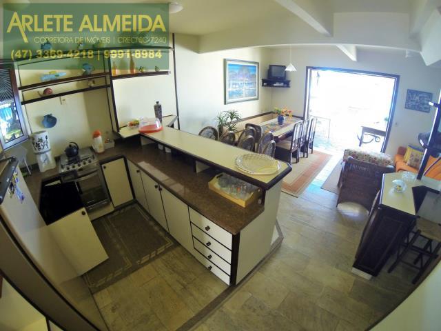13 - cozinha casa locação perequê