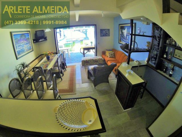 14 - cozinha e mesa de jantar casa locação perequê