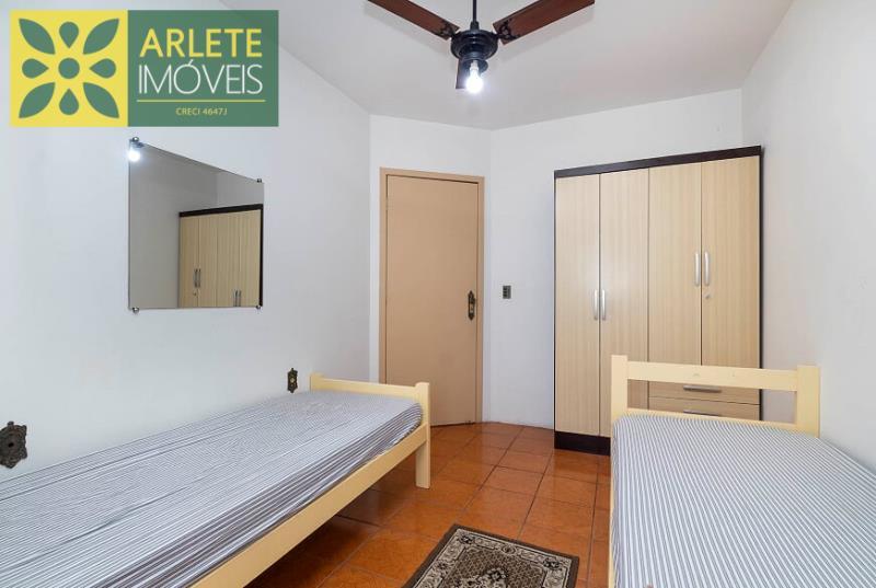 25 - quarto de solteiro imóvel locação porto belo