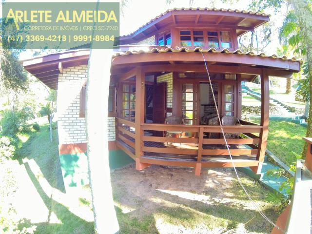 3 - área externa casa locação araçá porto belo