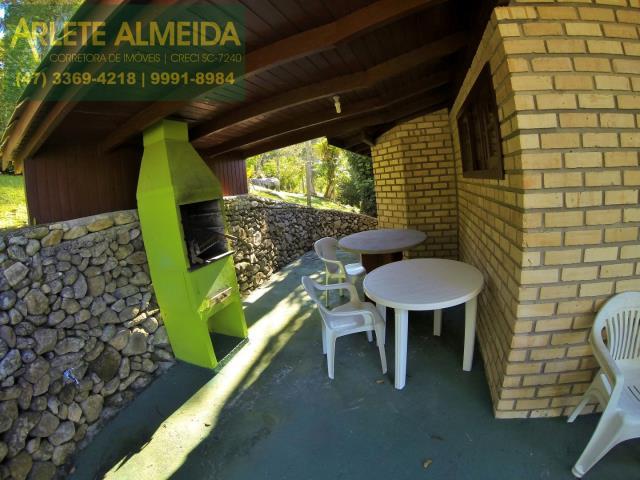 4 - área social e churrasqueira casa locação estaleiro porto belo