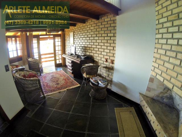 5 - sala de estar casa locação estaleiro porto belo