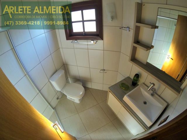 10 - banheiro casa locação estaleiro porto belo