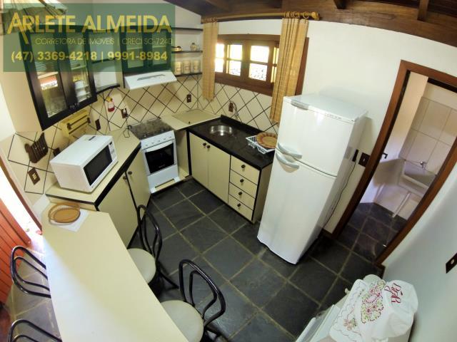 11 - cozinha casa locação estaleiro porto belo