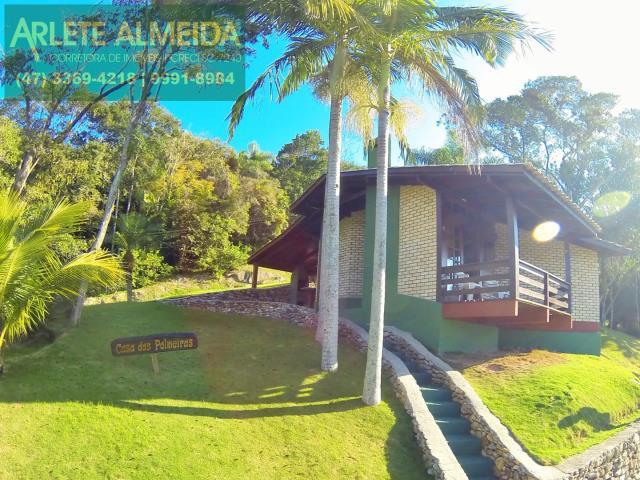 Casa Codigo 240 para Temporada no bairro Araça na cidade de Porto Belo