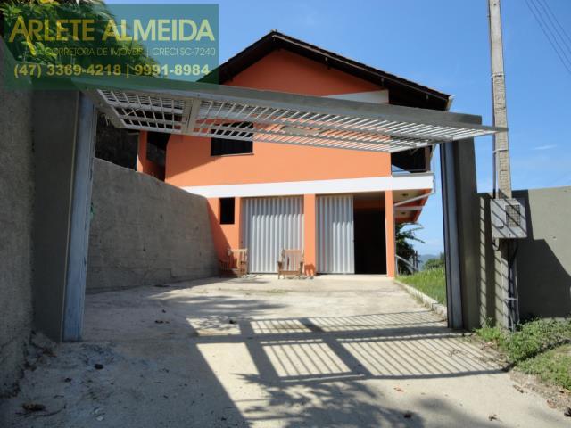 Casa Codigo 890 a Venda no bairro-Araça na cidade de Porto Belo
