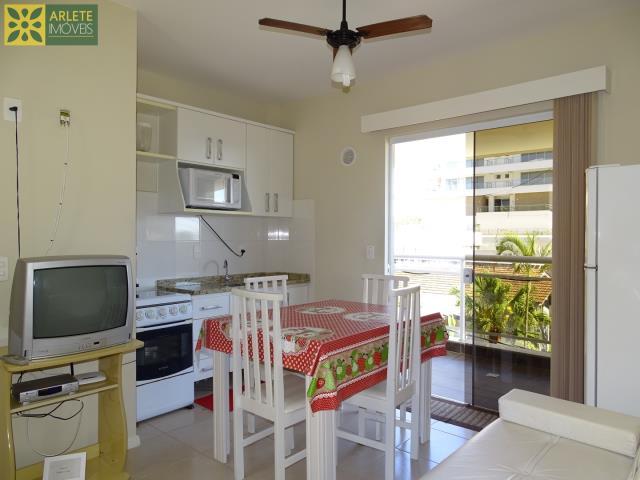 11 - sala de estar e cozinha