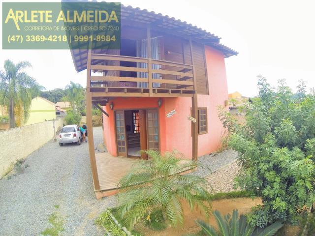 Casa Codigo 2013 a Venda no bairro-Mariscal na cidade de Bombinhas