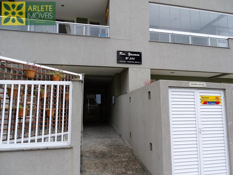 8 - entrada apartamento locação bombas