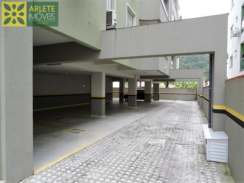 10 - garagem apartamento locação bombas