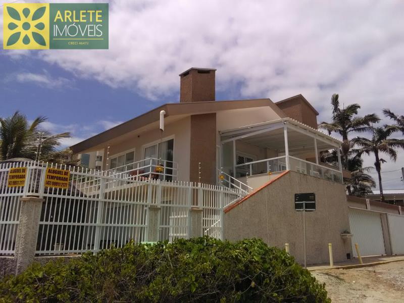 Casa Codigo 5045 para Temporada no bairro Perequê na cidade de Porto Belo