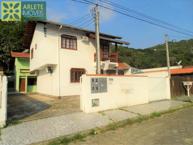 15 - fachada residencial imóvel locação porto belo