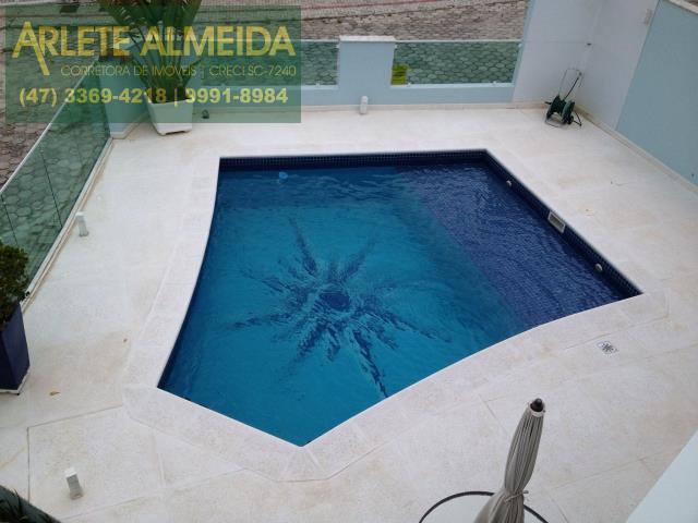 Casa-Codigo-806-a-Venda-no-bairro-Vila-Nova-na-cidade-de-Porto-Belo