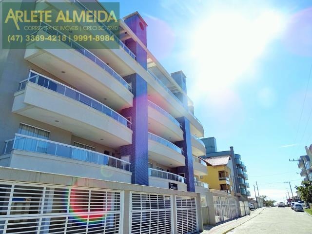 Apartamento Codigo 424 para Temporada no bairro Bombas na cidade de Bombinhas