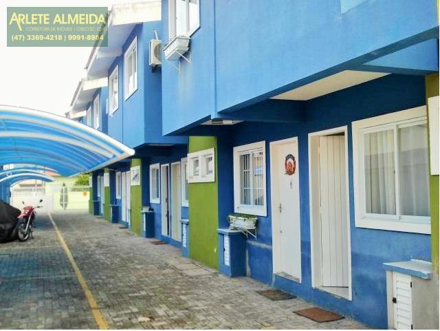 Casa Codigo 1017 a Venda no bairro-Perequê na cidade de Porto Belo