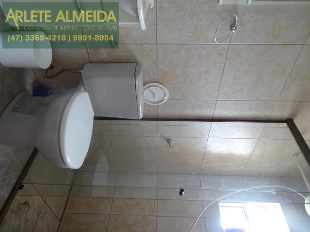 33 - banheiro edicula