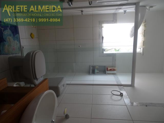 18 - banheiro terreo