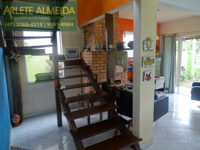 12 - escada living