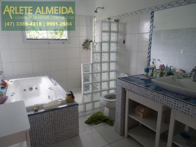 22 - banheiro dormitorio principal