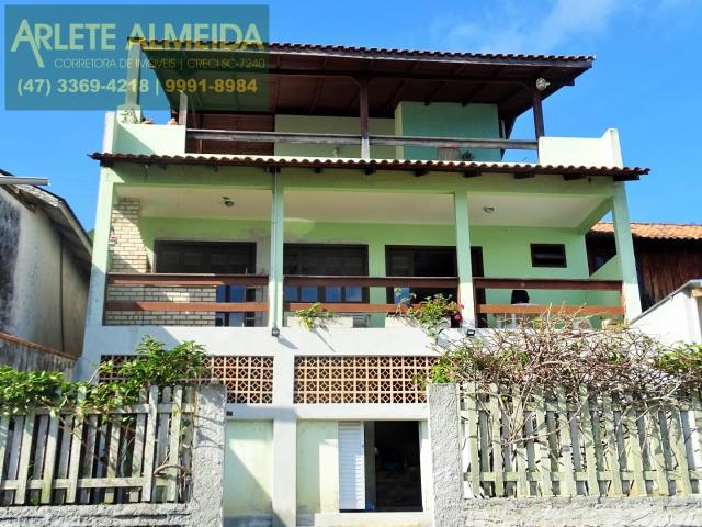 Casa Codigo 208 para Temporada no bairro Araça na cidade de Porto Belo