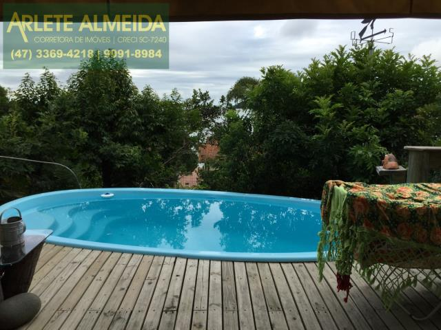 Casa Codigo 182 para Temporada no bairro Centro na cidade de Porto Belo