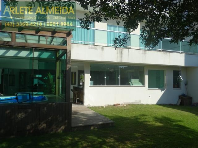 14 - fachada fundos