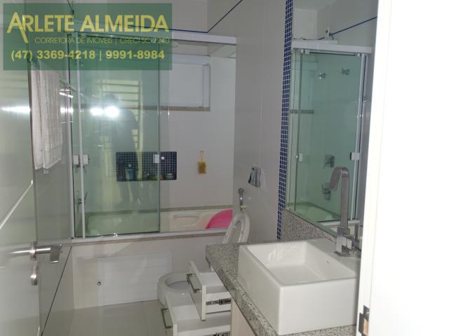 27 - banheiro suite frontal 2