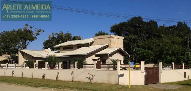 Casa Codigo 304 para Temporada no bairro Mariscal na cidade de Bombinhas
