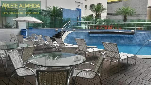 24 - piscina