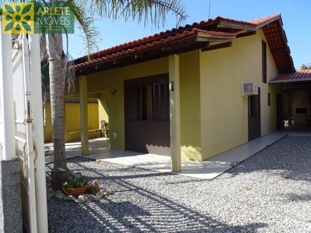 Casa Codigo 204 para Temporada no bairro Perequê na cidade de Porto Belo