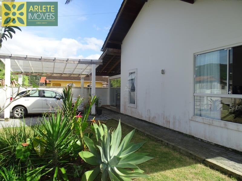 Casa-Codigo-37-a-Venda-no-bairro-Centro-na-cidade-de-Porto-Belo