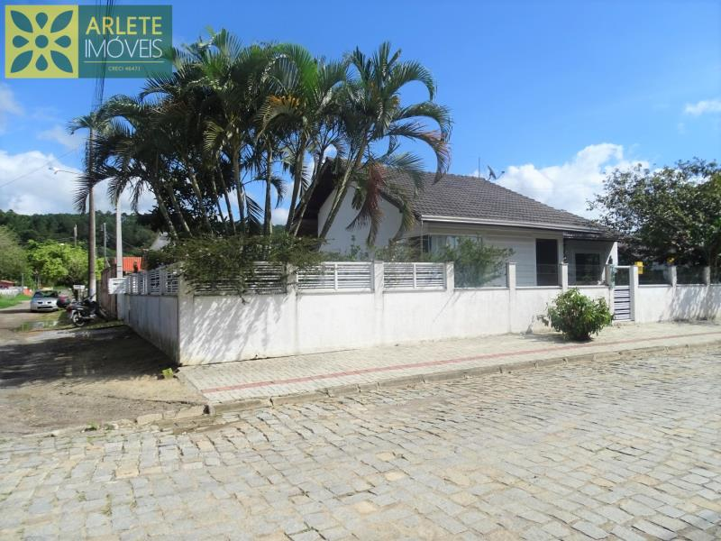 Casa Codigo 37 a Venda no bairro Centro na cidade de Porto Belo