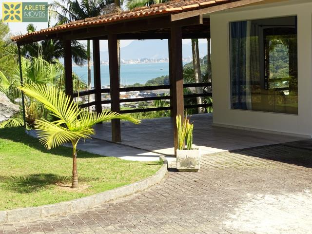 Casa Codigo 404 para Temporada no bairro Centro na cidade de Porto Belo