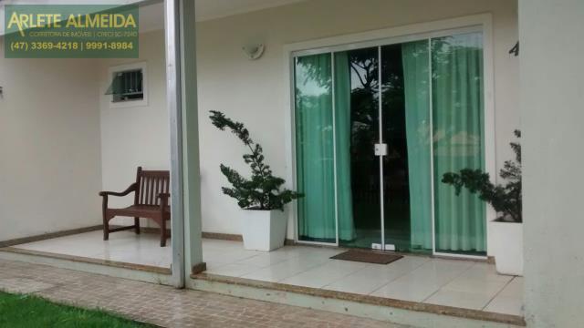 Casa Codigo 600 para Temporada no bairro Centro na cidade de Bombinhas