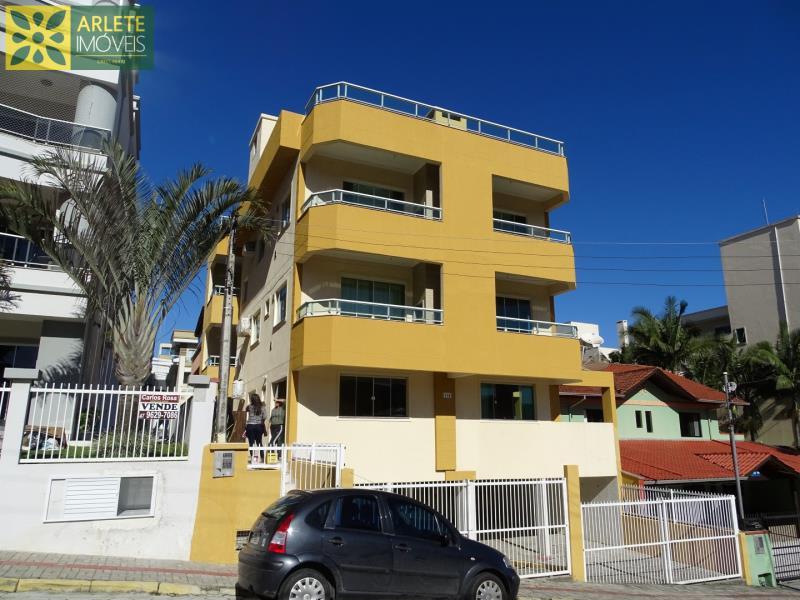 Apartamento Codigo 455 para Temporada no bairro Bombas na cidade de Bombinhas