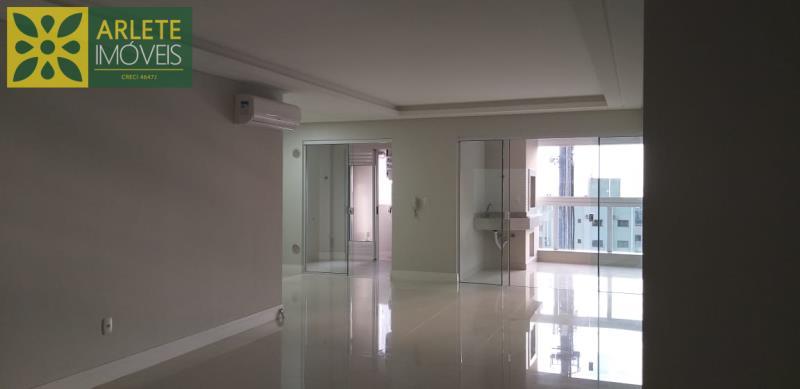 11 - living área social de apartamento a venda em itapema