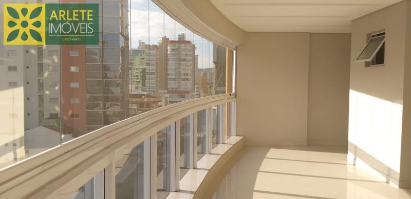 17 - sacada de apartamento a venda em itapema