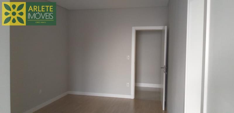24 - suíte de apartamento a venda em itapema