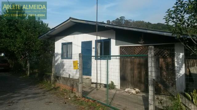 Casa Codigo 1284 a Venda no bairro-Centro na cidade de Porto Belo