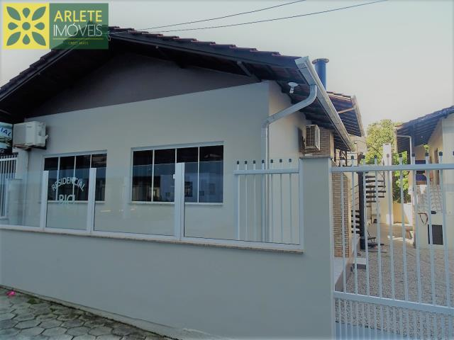 Casa Codigo 550 para Temporada no bairro Centro na cidade de Bombinhas