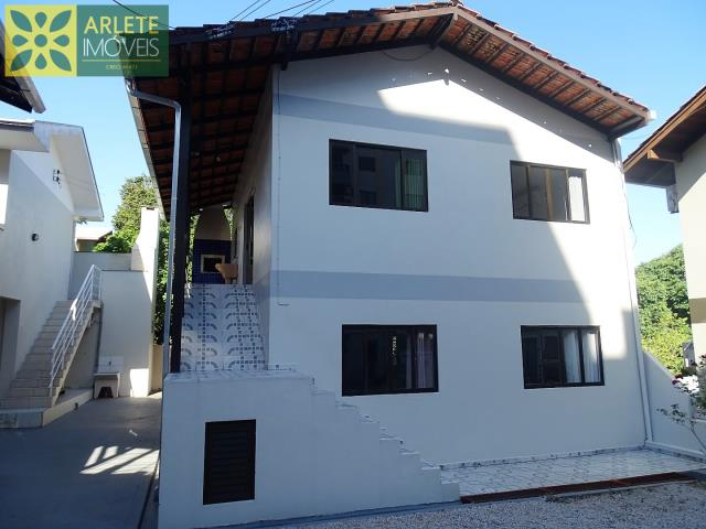 Casa Codigo 551 para Temporada no bairro Centro na cidade de Bombinhas