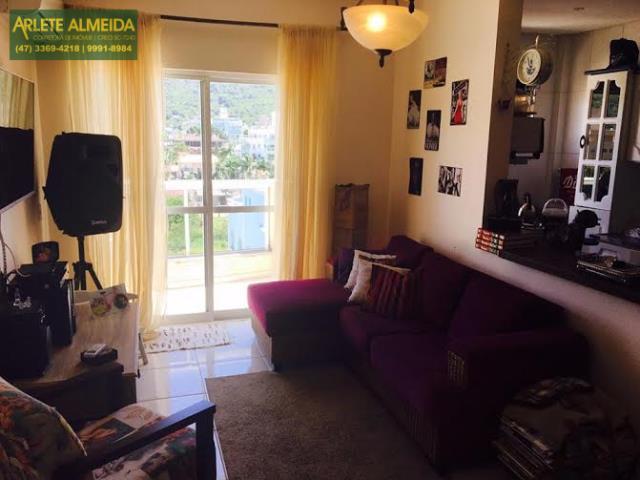 Cobertura Codigo 1313 para Temporada no bairro Bombas na cidade de Bombinhas